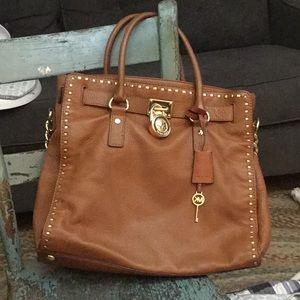 Michael Kors North South Lrg Tote  Camel Leather